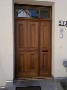 Nacher Tür